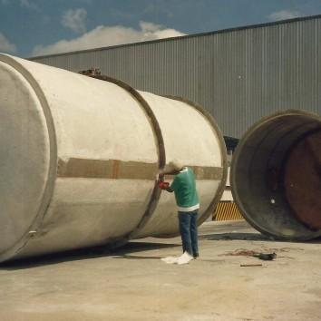 Tanque de fibra de vidro para armazenamento de água da empresa Brasilit em Manaus - AM.